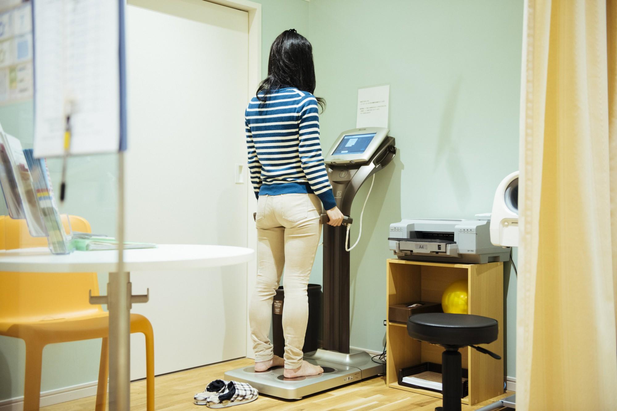 体組成計の計測結果を基に、個々にあわせて管理栄養士からアドバイスを受けられる。