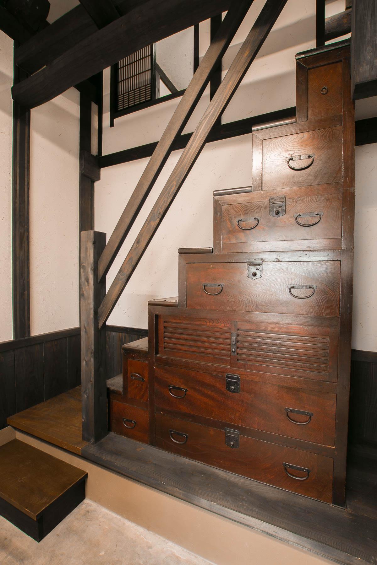 15-1階段箪笥