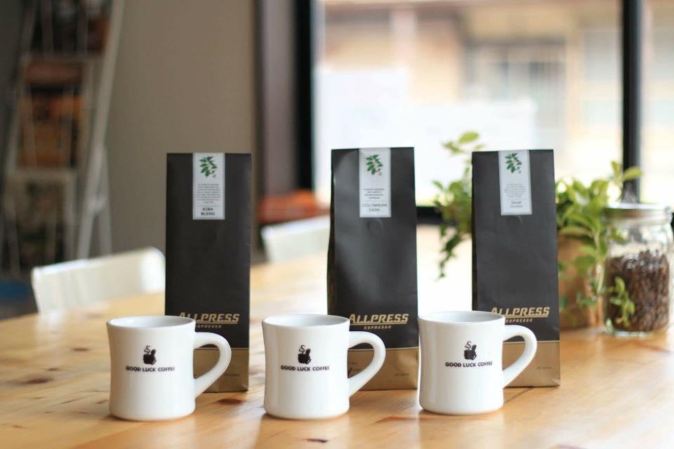 味と鮮度にこだわり、コーヒー豆は信頼している焙煎所のものを使用することに。
