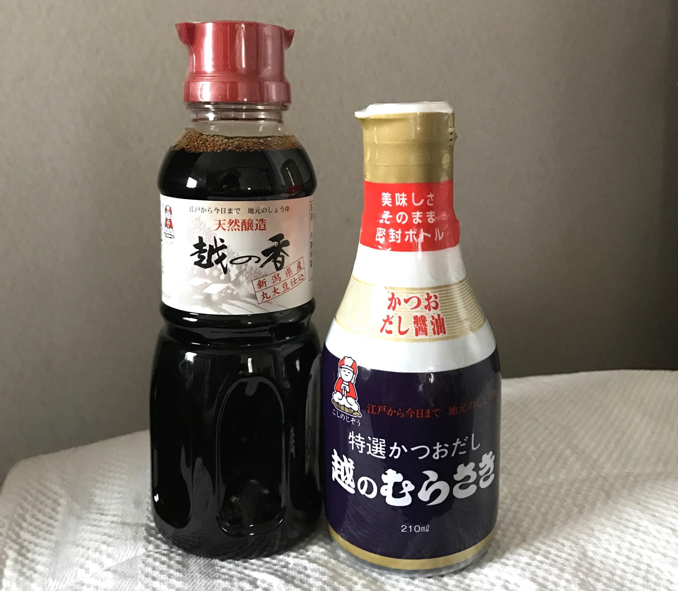 看板商品のだし醤油「特選かつおだし 越のむらさき」のほか、醤油、つゆ、味噌などを製造。家庭用の全商品をここで購入できます。Photo: Akiko Matsumaru
