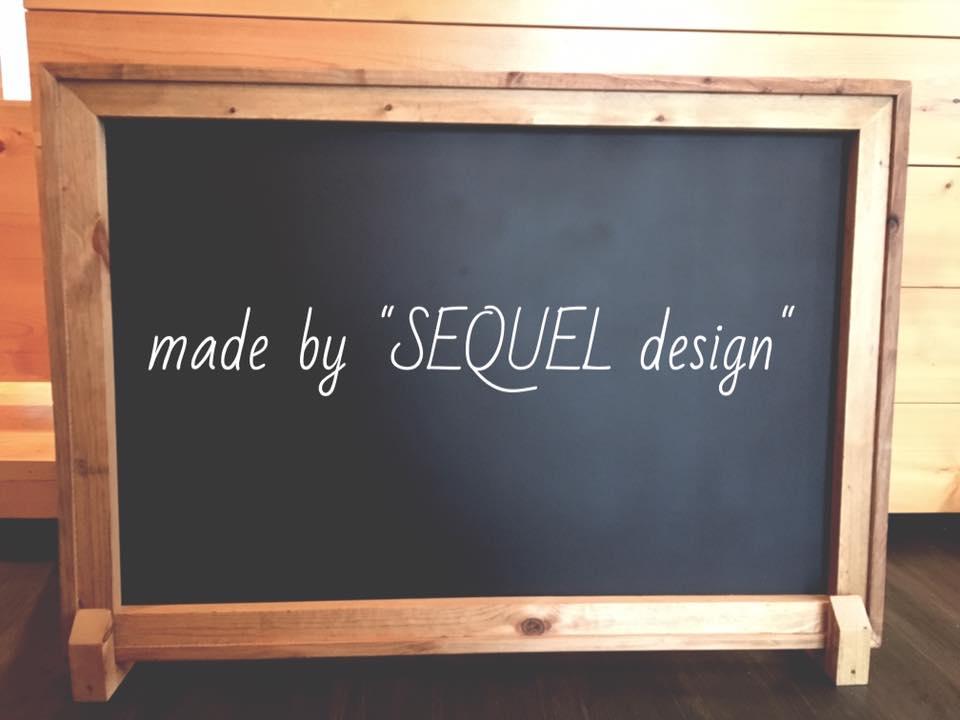 インテリアショップ「SEQUEL design」は看板用の黒板にチョークアートを施す。