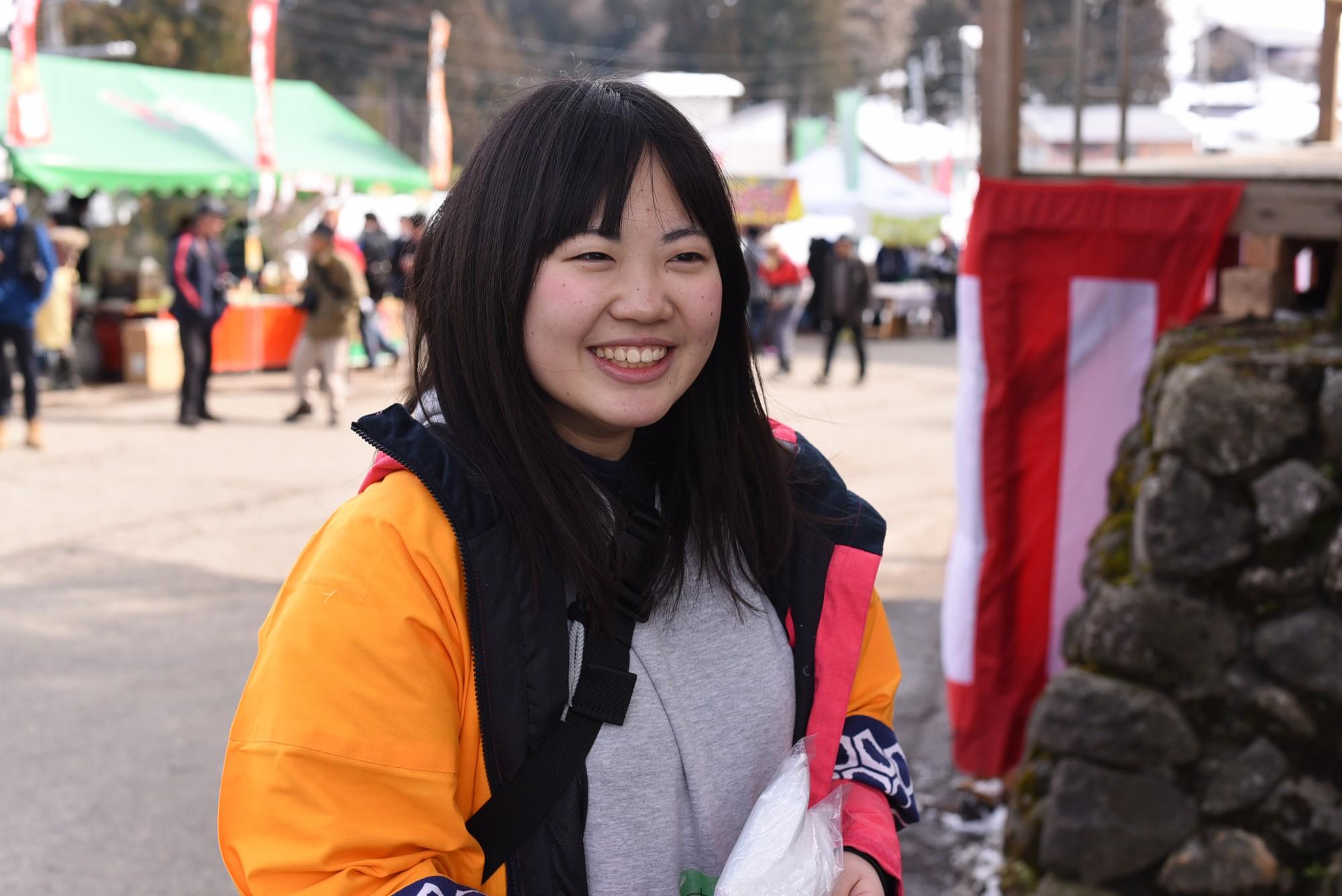 東京から来たという大学2年生・井上さん。この地区には何度も訪れ、その度に発見があるといいます。