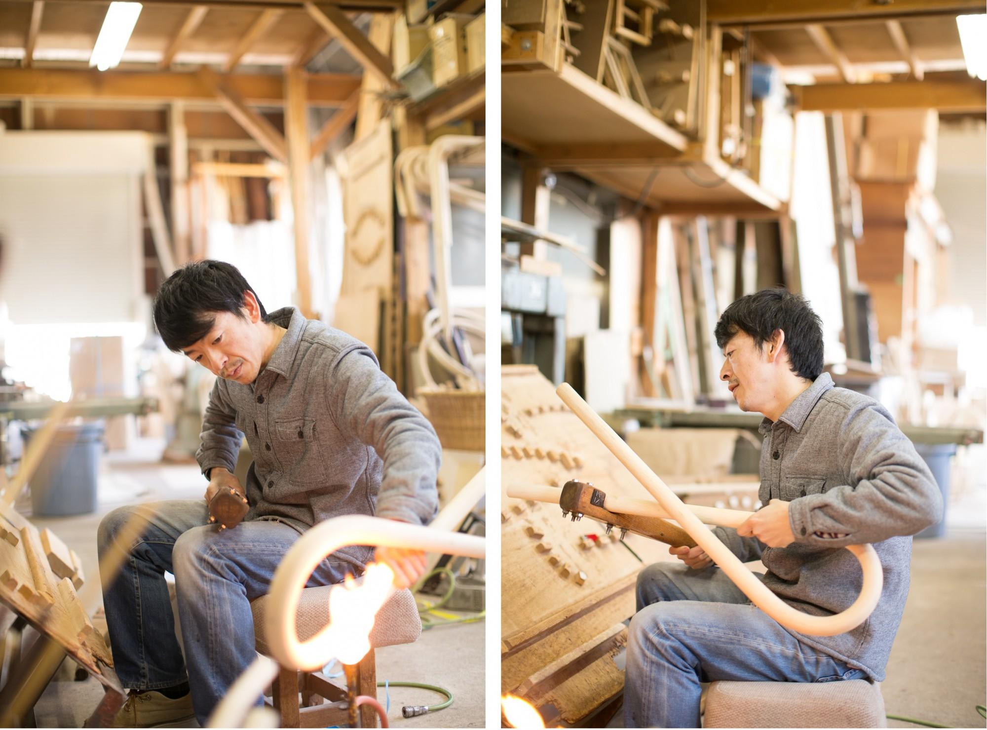 火であぶり、型に当て、ベッドのフレームを作る西脇弘幸さん。「柔かいもの、硬いもの、太さも様々。籐にもたくさんの種類がありますが、うちでは主に3、4種類を使い分けています」